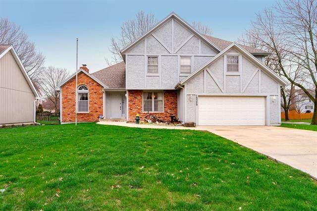 15325 W 93 Street, Lenexa, KS 66219 (#2214369) :: House of Couse Group