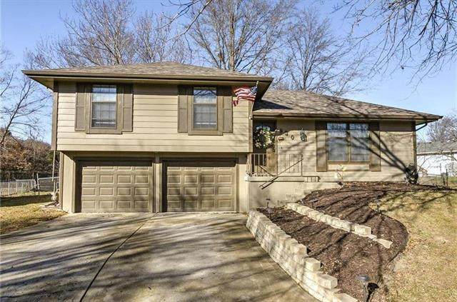930 Fair Oaks Court, Liberty, MO 64068 (#2214405) :: Eric Craig Real Estate Team