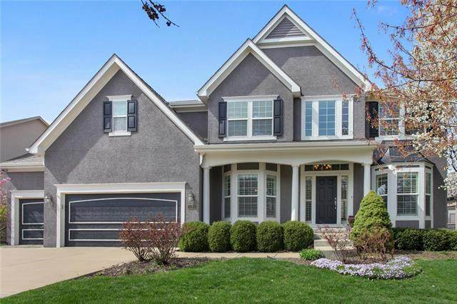 3084 W 132nd Place, Leawood, KS 66209 (#2214445) :: NestWork Homes