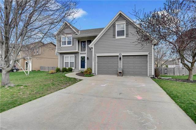 15451 S Wyandotte Drive, Olathe, KS 66062 (#2214559) :: House of Couse Group