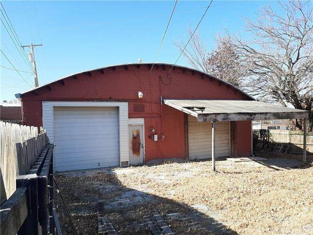 3 & 5 N Silver Street, Paola, KS 66071 (#2214561) :: Ron Henderson & Associates