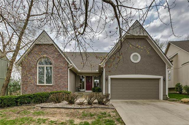 9333 W 125th Street, Overland Park, KS 66213 (#2214615) :: Austin Home Team