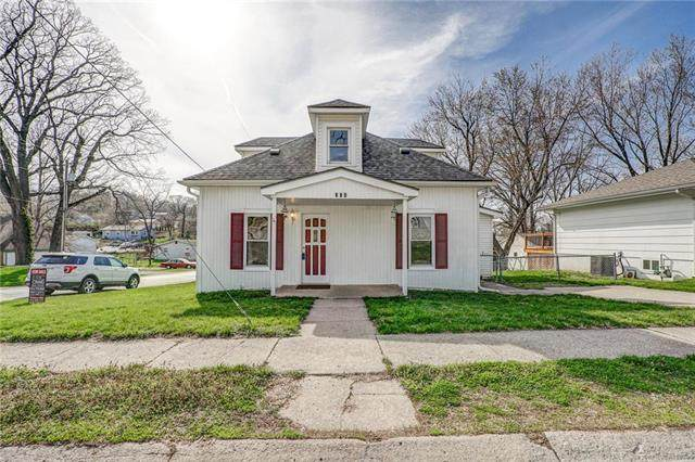 308 Winner Avenue, Smithville, MO 64089 (#2214618) :: Beginnings KC Team