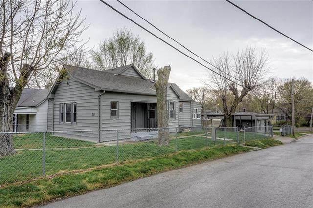 2951 Stewart Avenue, Kansas City, KS 66104 (#2214654) :: NestWork Homes