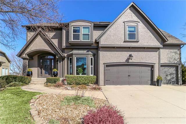 424 NE Oaks Ridge Drive, Lee's Summit, MO 64064 (#2214702) :: NestWork Homes
