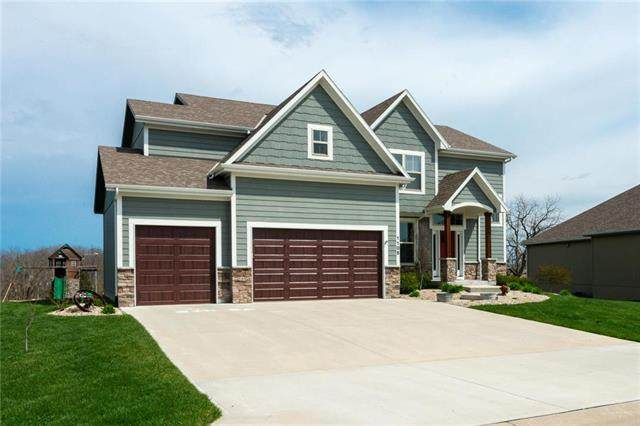 1105 SW Conch Way, Lee's Summit, MO 64064 (#2214707) :: Ask Cathy Marketing Group, LLC