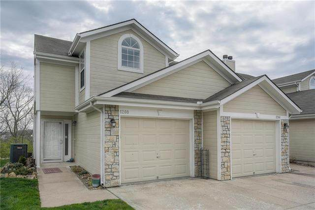 1208 NW Hidden Ridge Circle, Blue Springs, MO 64015 (#2214725) :: Beginnings KC Team