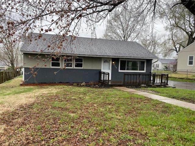824 N 80TH Place, Kansas City, KS 66112 (#2214737) :: NestWork Homes