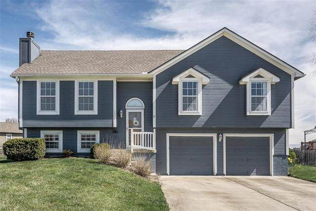 1309 SE Princeton Place, Lee's Summit, MO 64081 (#2214747) :: Ask Cathy Marketing Group, LLC