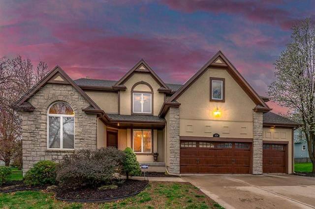 5229 W 161st Street, Overland Park, KS 66085 (#2214761) :: NestWork Homes