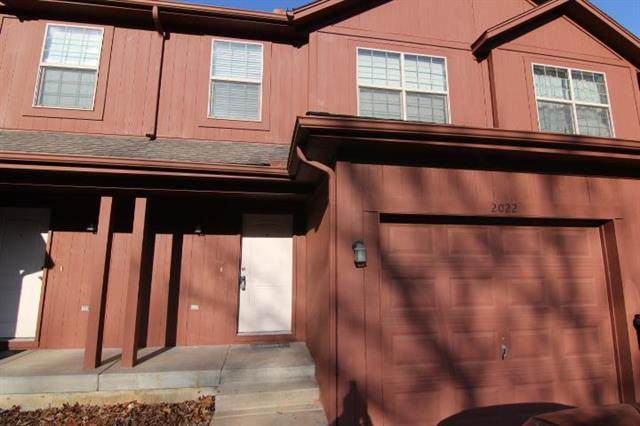 2022 S 101st Terrace, Edwardsville, KS 66111 (#2214781) :: Austin Home Team