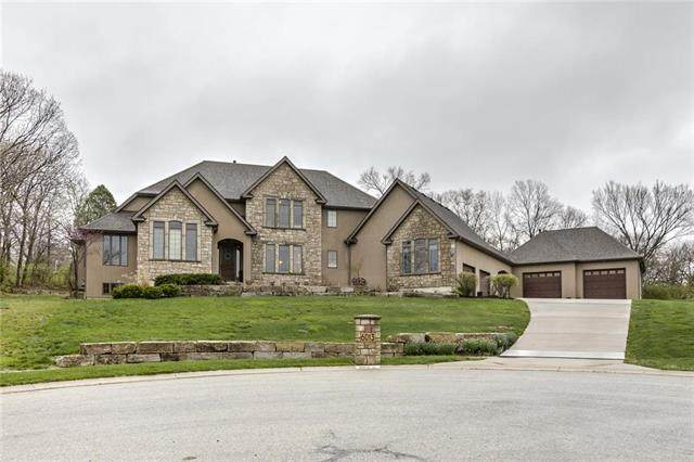 6013 Charlotte Court, Shawnee, KS 66216 (#2214784) :: Ron Henderson & Associates
