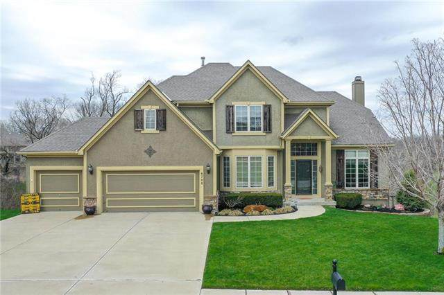 6700 NW Hickory Place, Parkville, MO 64152 (#2214840) :: Ron Henderson & Associates