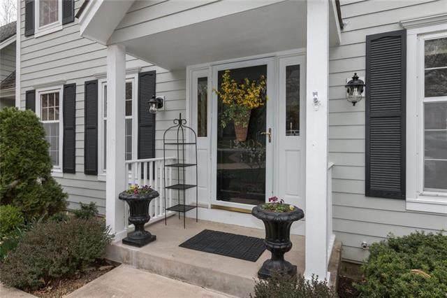 12808 Granada Road, Leawood, KS 66209 (#2214845) :: NestWork Homes
