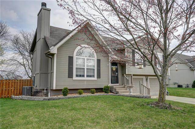1409 NE Grand Avenue, Lee's Summit, MO 64086 (#2214852) :: Ask Cathy Marketing Group, LLC
