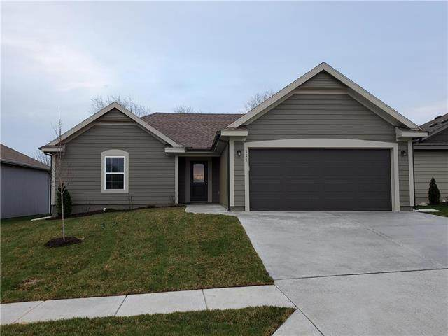 209 N Sivley Street, Peculiar, MO 64078 (#2214862) :: Ask Cathy Marketing Group, LLC
