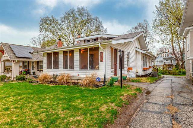 5817 Locust Street, Kansas City, MO 64110 (#2214882) :: The Gunselman Team