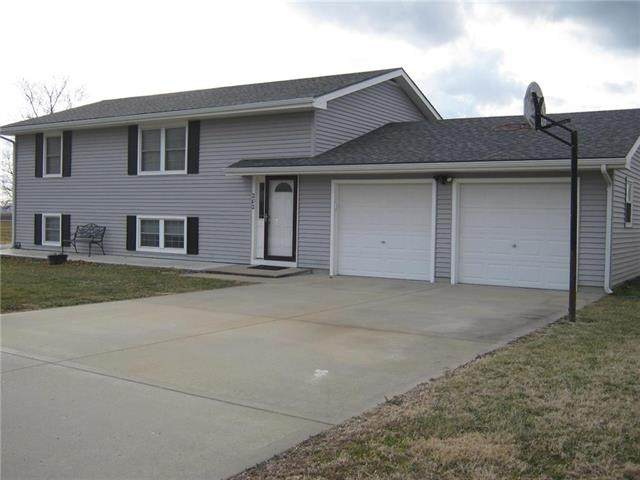 202 Floyd Road, Orrick, MO 64077 (#2214896) :: House of Couse Group