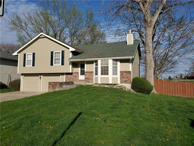 938 Stonecrest Drive, Lansing, KS 66043 (#2214936) :: House of Couse Group