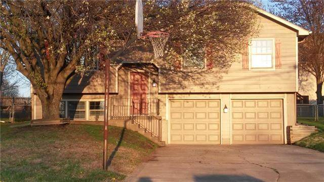 2513 N 109th Street, Kansas City, KS 66109 (#2214947) :: Ron Henderson & Associates