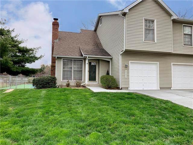 8508 W 109th Terrace, Overland Park, KS 66210 (#2214956) :: House of Couse Group