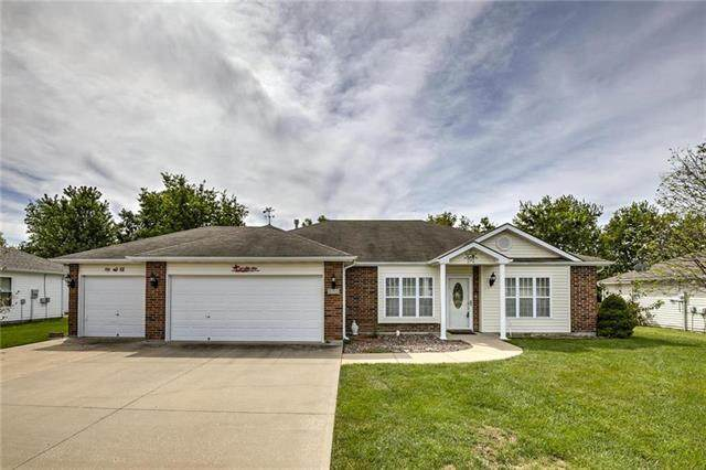 833 Bristol Drive, Raymore, MO 64083 (#2214969) :: Beginnings KC Team