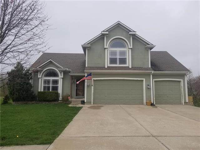 716 Ridge Crest Street, Raymore, MO 64083 (#2215006) :: Beginnings KC Team