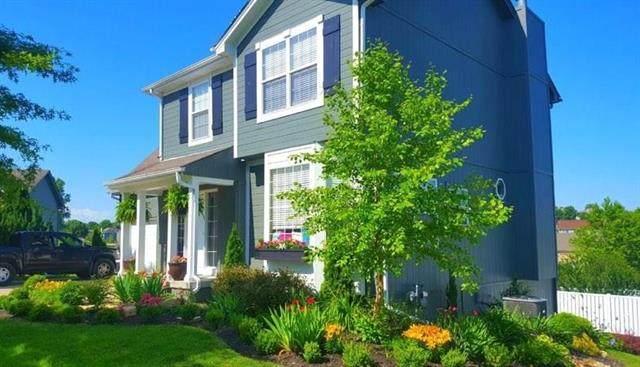 805 SW Crestview Court, Grain Valley, MO 64029 (#2215093) :: NestWork Homes