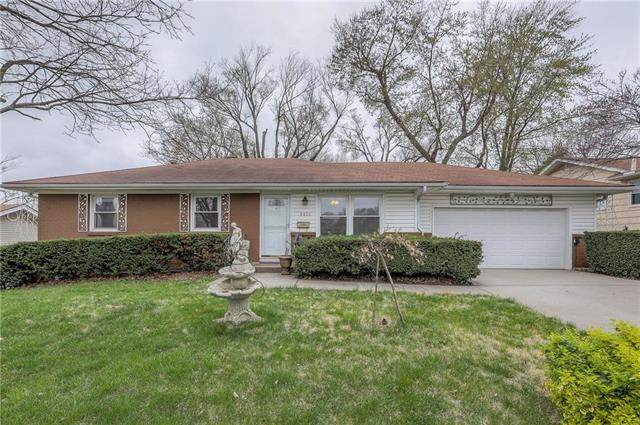 9430 Woodward Street, Overland Park, KS 66212 (#2215151) :: Team Real Estate
