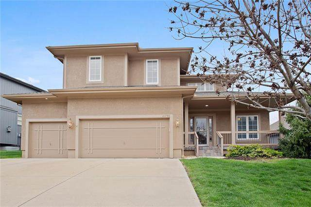 21796 W 121ST Terrace, Olathe, KS 66061 (#2215154) :: The Shannon Lyon Group - ReeceNichols