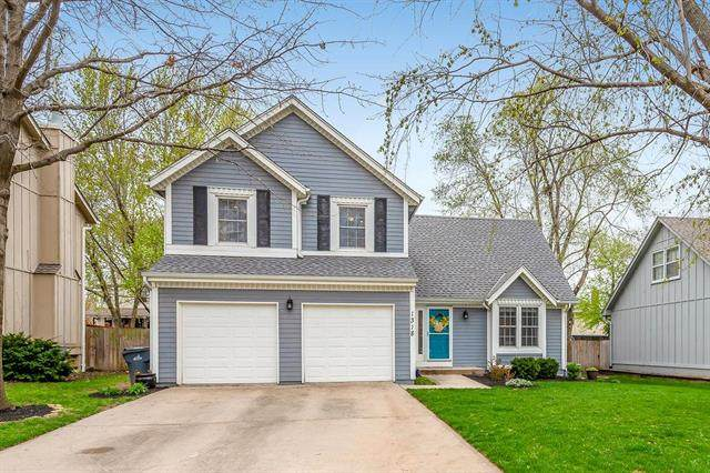 1318 E 153rd Terrace, Olathe, KS 66062 (#2215241) :: The Shannon Lyon Group - ReeceNichols