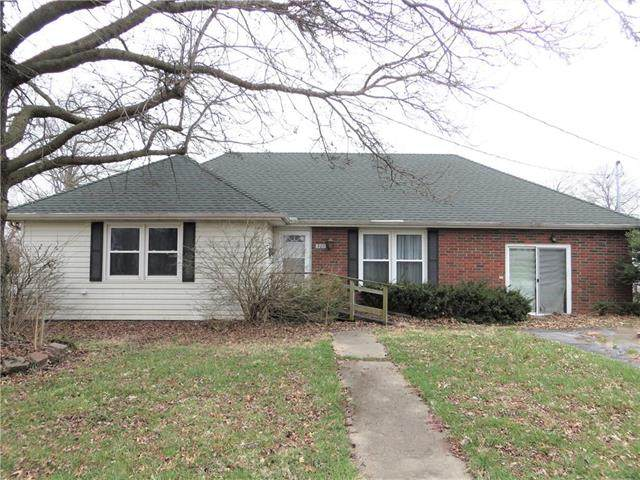 501 W Ohio Street, Butler, MO 64730 (#2215247) :: House of Couse Group