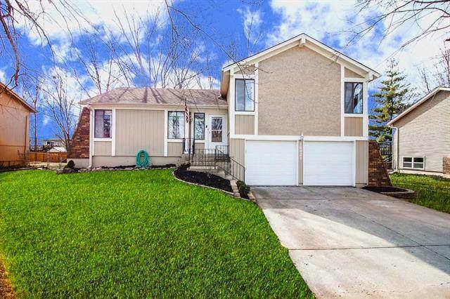 16021 W 153RD Street, Olathe, KS 66062 (#2215249) :: House of Couse Group
