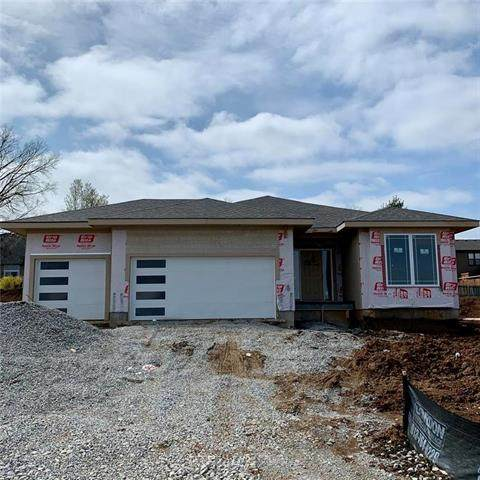 1229 NE Goshen Drive, Lee's Summit, MO 64064 (#2215250) :: House of Couse Group
