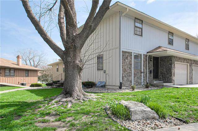 11240 E 71st Terrace, Raytown, MO 64133 (#2215256) :: House of Couse Group