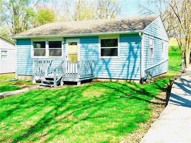 4415 N Tracy Avenue, Kansas City, MO 64116 (#2215348) :: The Shannon Lyon Group - ReeceNichols