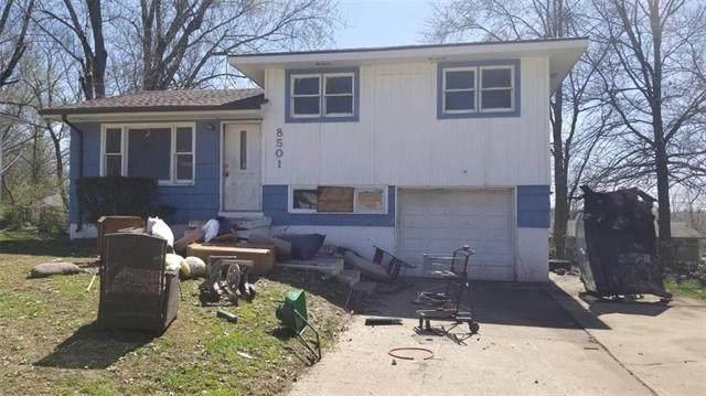 8501 E 98th Terrace, Kansas City, MO 64134 (#2215394) :: The Gunselman Team