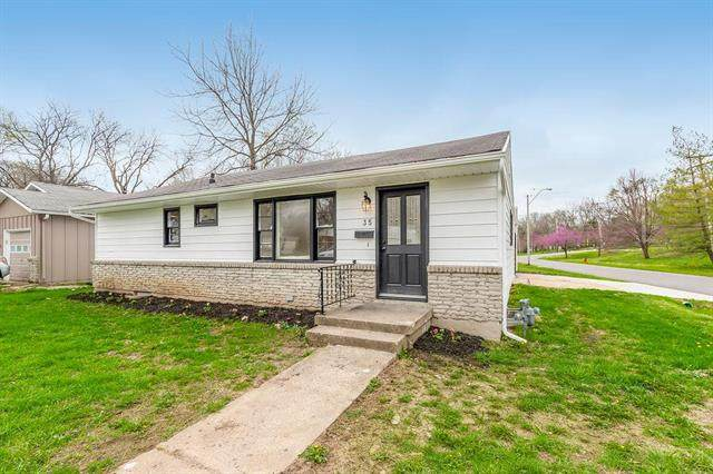 35 W 81st Terrace, Kansas City, MO 64114 (#2215410) :: House of Couse Group