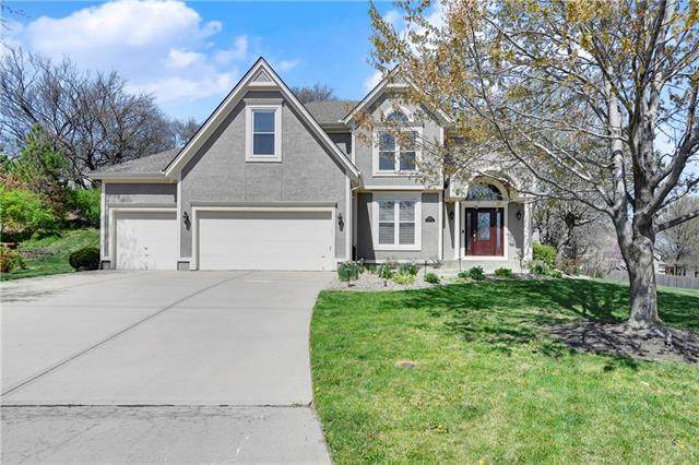 6952 Greenwood Street, Shawnee, KS 66216 (#2215483) :: House of Couse Group