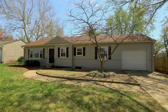 5019 W 56TH Street, Roeland Park, KS 66205 (#2215500) :: House of Couse Group