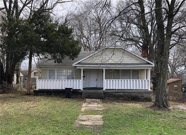2119 E 73 Street, Kansas City, MO 64132 (#2215777) :: Jessup Homes Real Estate | RE/MAX Infinity
