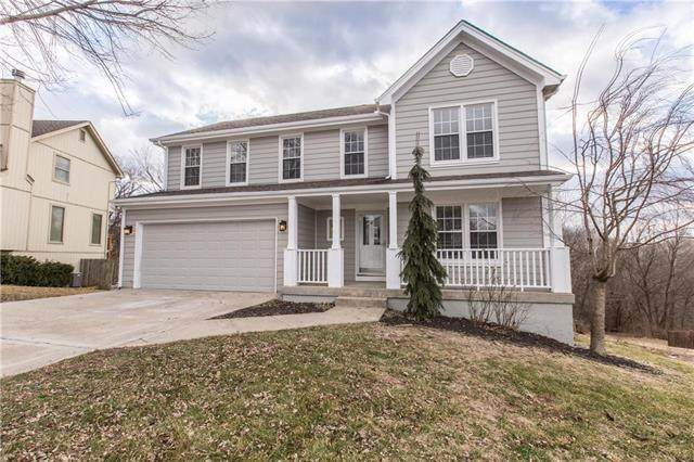 6458 NW Valley Drive, Parkville, MO 64152 (#2215790) :: Audra Heller and Associates
