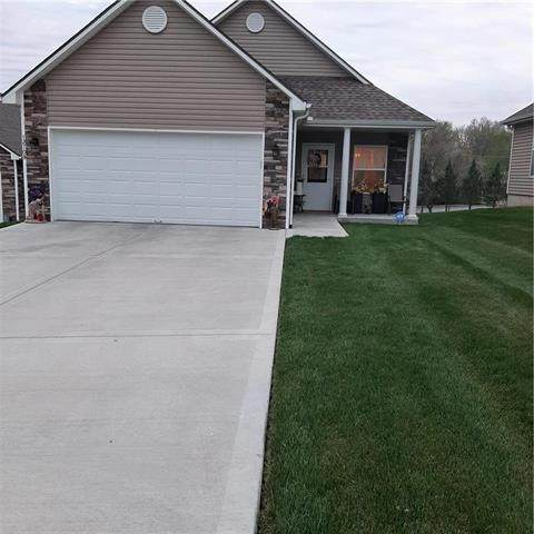 12709 E 48th South Street, Independence, MO 64055 (#2215825) :: The Shannon Lyon Group - ReeceNichols