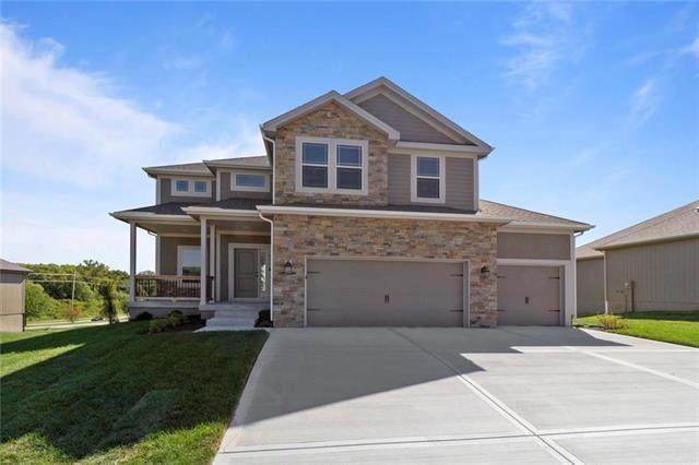 10843 N Crystal Avenue, Kansas City, MO 64156 (#2215843) :: Audra Heller and Associates