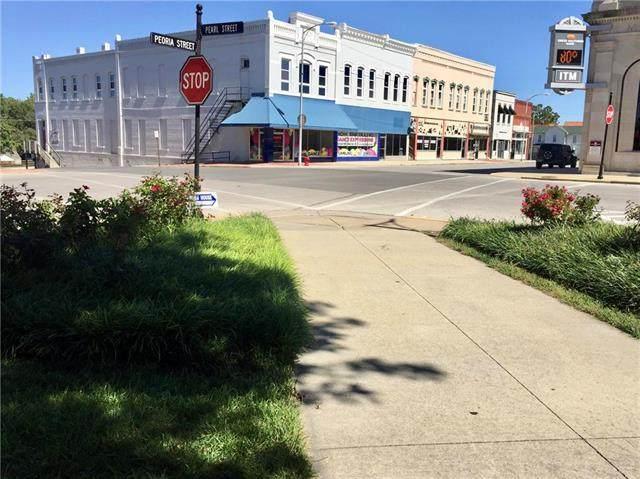 2 E Peoria Street, Paola, KS 66071 (#2216041) :: The Shannon Lyon Group - ReeceNichols