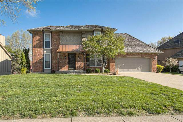 120 NE Wood Glen Lane, Lee's Summit, MO 64064 (#2216396) :: Eric Craig Real Estate Team