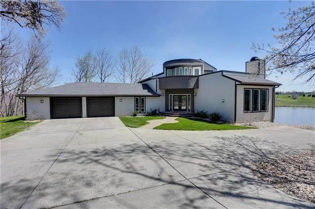 15404 Lake Point Drive, Bonner Springs, KS 66012 (#2216542) :: Team Real Estate