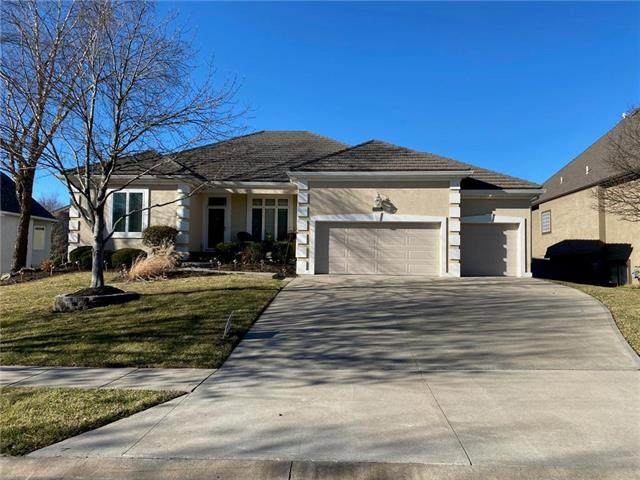 16210 Cambridge Drive, Stilwell, KS 66085 (#2216751) :: Audra Heller and Associates