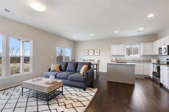 7916 NW 124th Street, Kansas City, MO 64163 (#2216817) :: Five-Star Homes