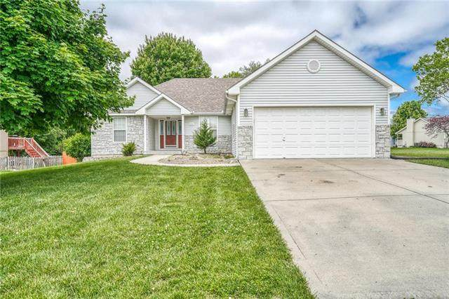 314 Woodhaven Drive, Smithville, MO 64089 (#2216957) :: House of Couse Group